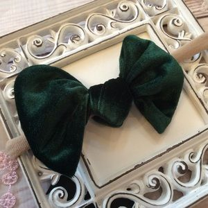 Other - Boutique Baby Girls Hunter Green Velvet Headband